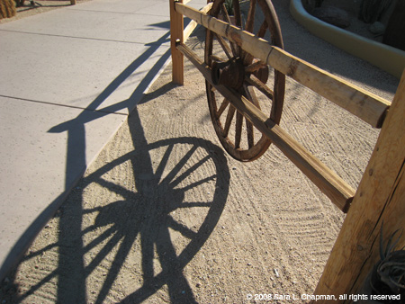 wagonwhlshadow2811.jpg