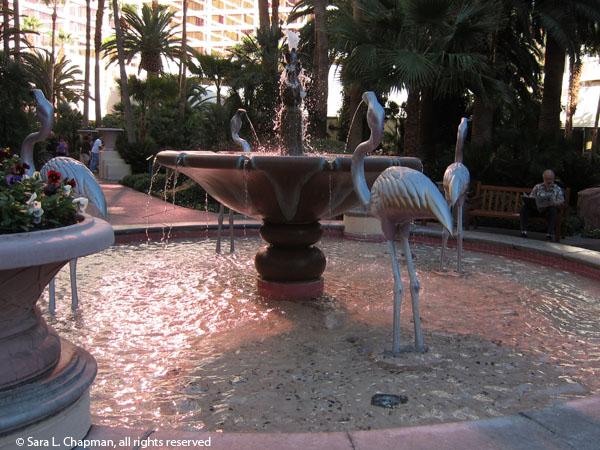 Flamingo fountain sara 39 s fave photo blog for Yard statues las vegas