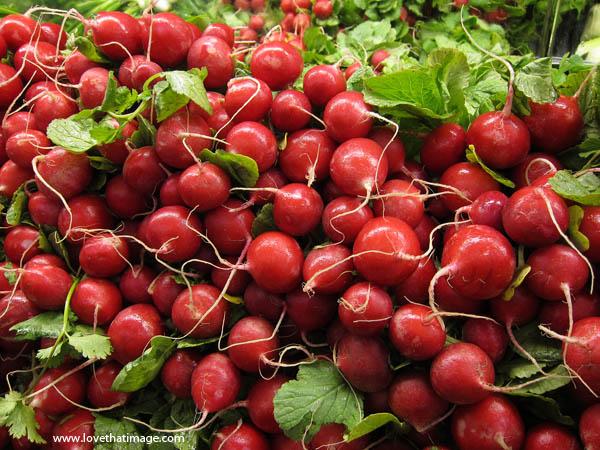supermarket, vegetables, roots, red, fresh produce, fruitstand, radishes, freshness