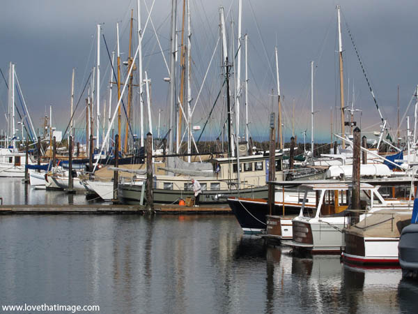 port townsend, boats, marina, reflections, rainbow, shallow arc