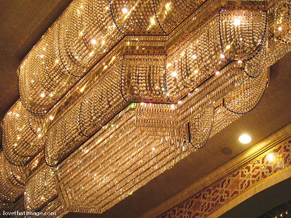 Glittering chandelier in Las Vegas, Nevado