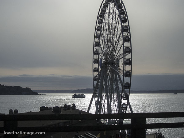 Monochrome view of Seattle's Great Wheel, from the Viaduct