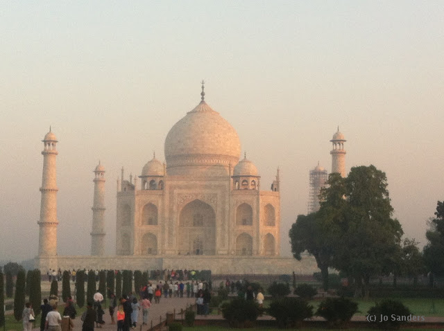 Dawn view of the Taj Mahal
