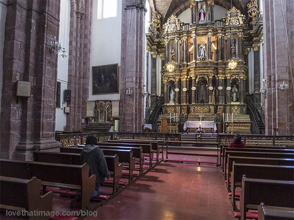 The altar of the Parroquía church in San Miguel de Allende