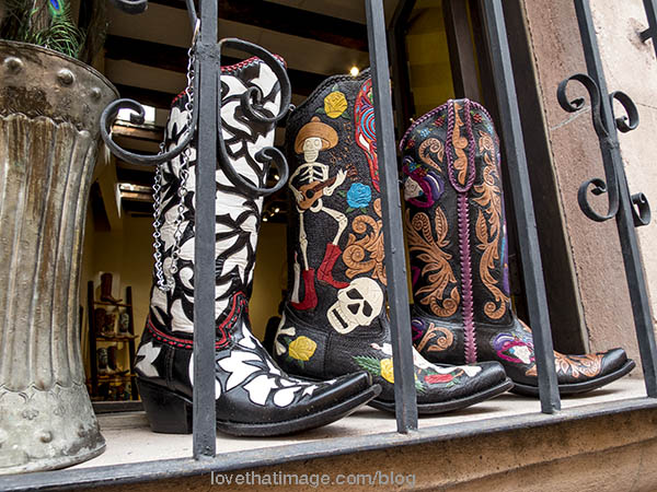 Leather boots with a decidedly Mexican flair in San Miguel