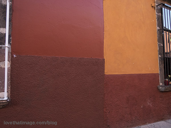 I was charmed by the colors the building walls were painted in the central district in San Miguel, a UNESCO World Heritage site.